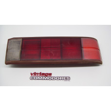 VB VC RIGHT HAND TAIL LIGHT GM 90043410