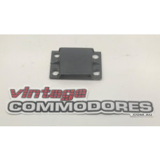 VL FRONT BUMPER FACIA SIDE MOUNTING BRACKET GM 90124227
