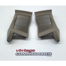 VL FRONT SPEAKER GRILLE ASSEMBLY LEFT AND RIGHT SANDALWOOD 65i GM 92025853MA GM92025852MA