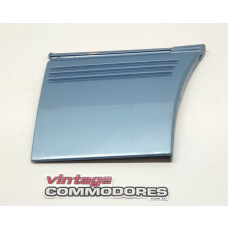 VK CALAIS RIGHT HAND FRONT FENDER LOWER MOULDING GM 92020298A