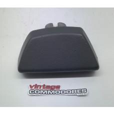 VB VC VH REAR BUMPER END CAP LEFT GM 90043359