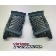 VL FRONT SPEAKER GRILLE ASSEMBLY LEFT AND RIGHT CERULEAN 23i GM 92025853 GM92025852