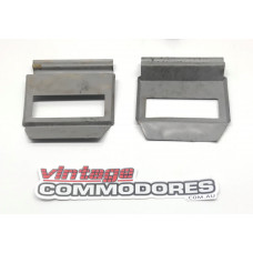 VK VL REAR QUARTER LAMP BRACKET PAIR (X2) GM 92020399