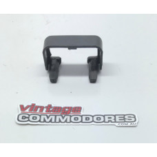 VL FRONT LEFT HAND SEAT ADJUSTER RAIL END CAP GM 90176223